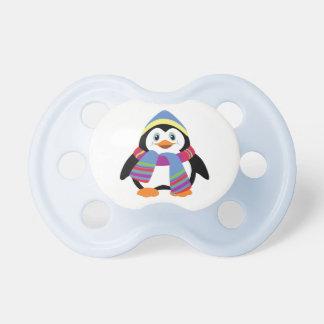 pingüino del dibujo animado chupetes de bebé