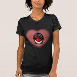 Pingüino del el día de San Valentín con el corazón Camisetas