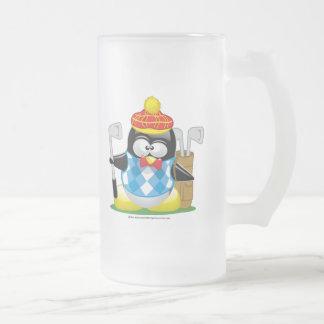 Pingüino del golf taza