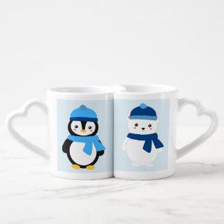Pingüino del invierno y oso polar personalizados tazas amorosas