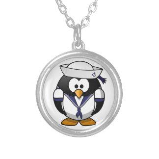 Pingüino del marinero collar plateado