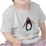 Pingüino del navidad camiseta
