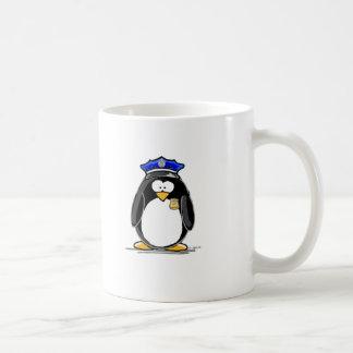 Pingüino del oficial de policía taza
