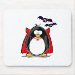 Pingüino del vampiro alfombrillas de raton