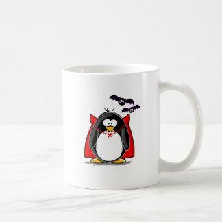 Pingüino del vampiro taza básica blanca