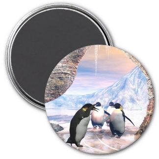 Pingüino divertido imán redondo 7 cm