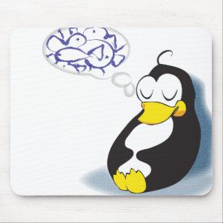 pingüino el dormir que soña sobre mousepad de los