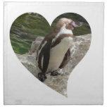 pingüino en forma del corazón servilletas imprimidas