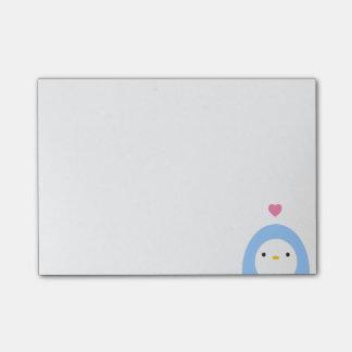 Pingüino en notas de post-it del amor