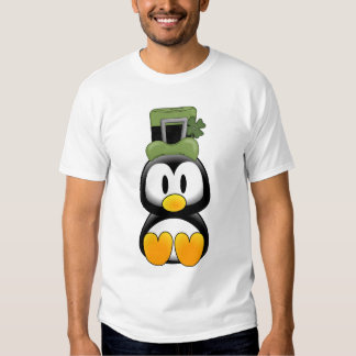 Pingüino en St. Pattys Remeras