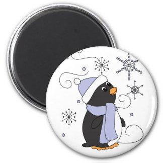Pingüino en temor imán redondo 5 cm