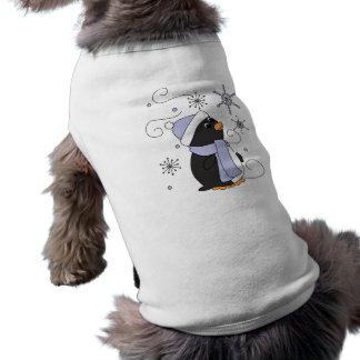 Pingüino en temor ropa perro