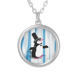 Pingüino encantador en la cortina azul colgantes personalizados
