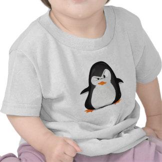 Pingüino enojado camisetas