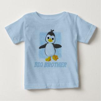 Pingüino feliz hermano mayor tshirt