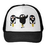 pingüino gorra