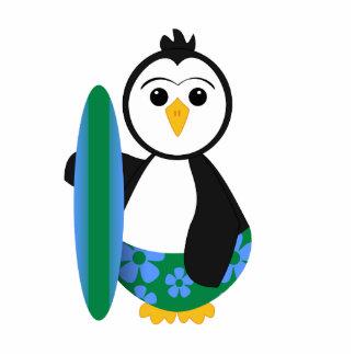 Pingüino lindo de la persona que practica surf esculturas fotográficas