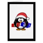 Pingüino lindo de Santa con los regalos Tarjeta De Felicitación
