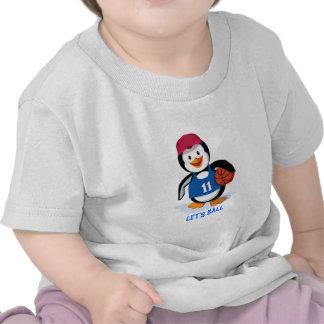 Pingüino lindo del baloncesto camiseta