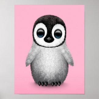 Pingüino lindo del bebé en rosa