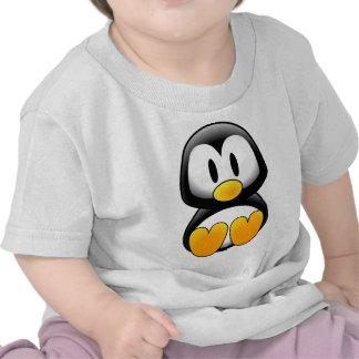 Pingüino lindo del dibujo animado del bebé camiseta