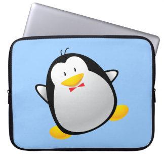 Pingüino lindo del dibujo animado funda computadora
