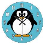 Pingüino lindo del dibujo animado relojes de pared