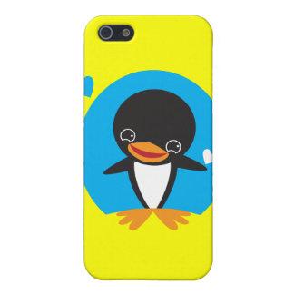 Pingüino lindo del invierno de Kawaii iPhone 5 Carcasas