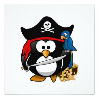 """Pingüino lindo del pirata con el cofre del tesoro invitación 5.25"""" x 5.25"""""""