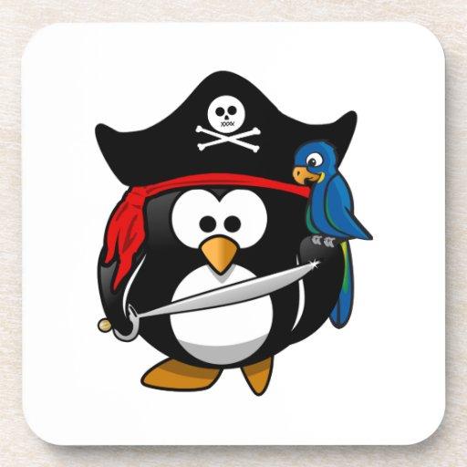 Pingüino lindo del pirata del dibujo animado con e posavasos de bebidas