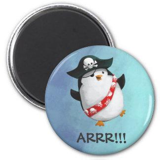 Pingüino lindo del pirata imán redondo 5 cm