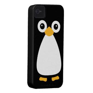 Pingüino lindo del vector iPhone 4 Case-Mate protector