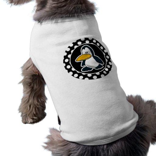 Pingüino lindo en lunares blancos y negros ropa de mascota