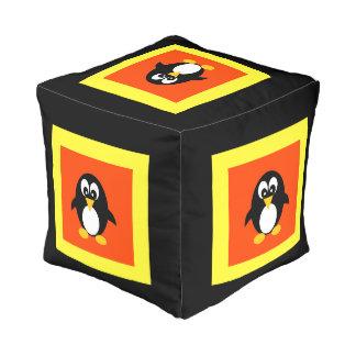 Pingüino lindo pouf cuadrado