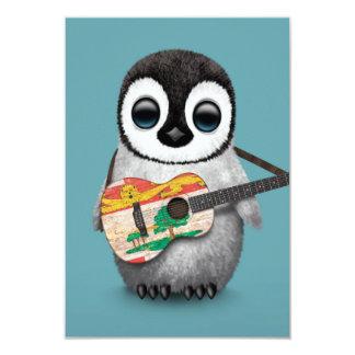 """Pingüino lindo que juega el azul de la guitarra de invitación 3.5"""" x 5"""""""