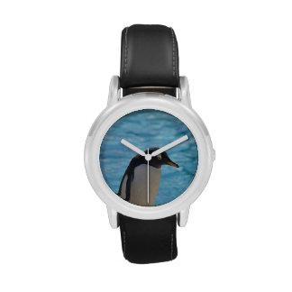 Pingüino lindo relojes de mano