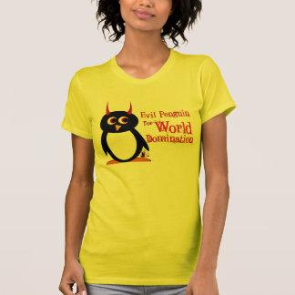 Pingüino malvado para la dominación del mundo camiseta