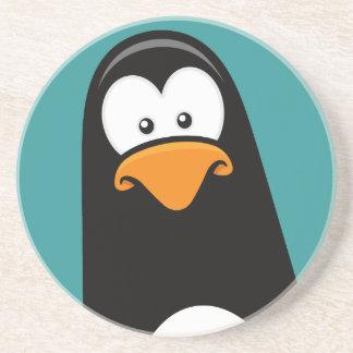 Pingüino pensativo del dibujo animado divertido posavasos de arenisca