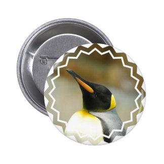 Pingüino perfecto pin redondo 5 cm