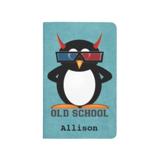 Pingüino personalizado del mal de la escuela vieja cuadernos grapados