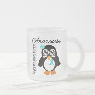 Pingüino policístico de la conciencia de la enferm taza de café