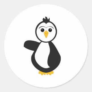 Pingüino punteagudo lindo etiqueta redonda