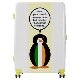 Pingüino que habla de la bandera irlandesa maletas