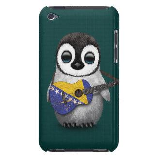 Pingüino que juega té de la guitarra de la bandera barely there iPod carcasa