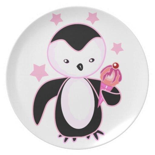 Pingüino que lleva a cabo negro y rosa del helado plato para fiesta