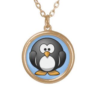 Pingüino rechoncho collar dorado