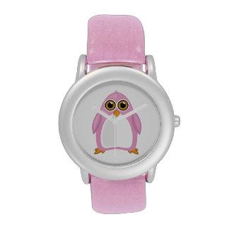 Pingüino rosado reloj