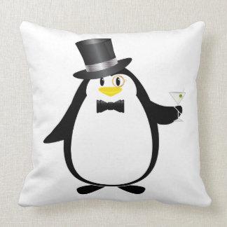 Pingüino sofisticado con Martini Cojin