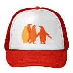 Pingüinos anaranjados gorro de camionero