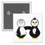 Pingüinos casados que llevan a cabo las manos